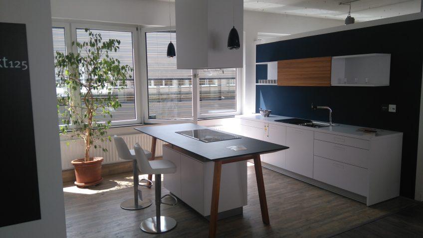 k chen bauer next125 nx800 kochtisch design im einklang mit natur und preis. Black Bedroom Furniture Sets. Home Design Ideas